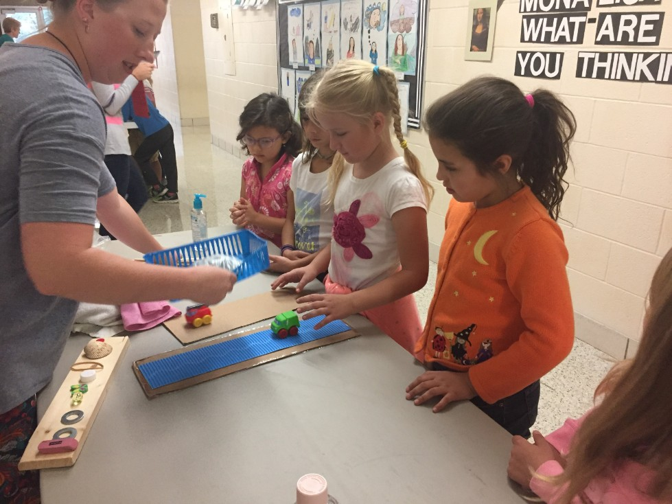 Group of 2nd graders participating in first Science DZ 2