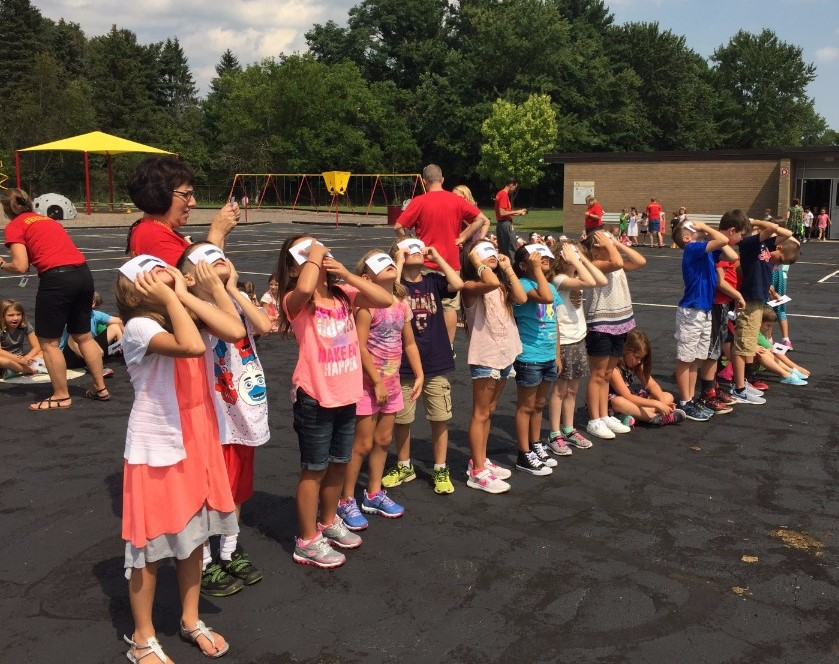Mrs. Aufmuth's class viewing eclipse