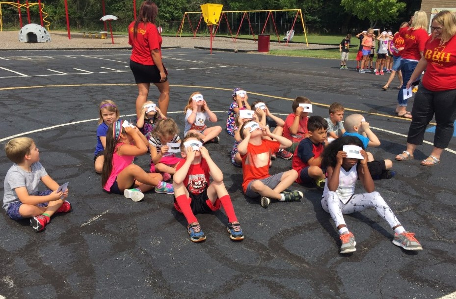 Miss Smith's class viewing eclipse
