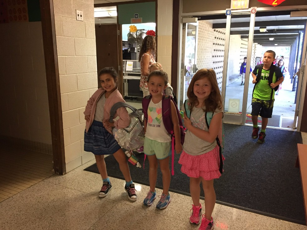 2nd grade girls at arrival
