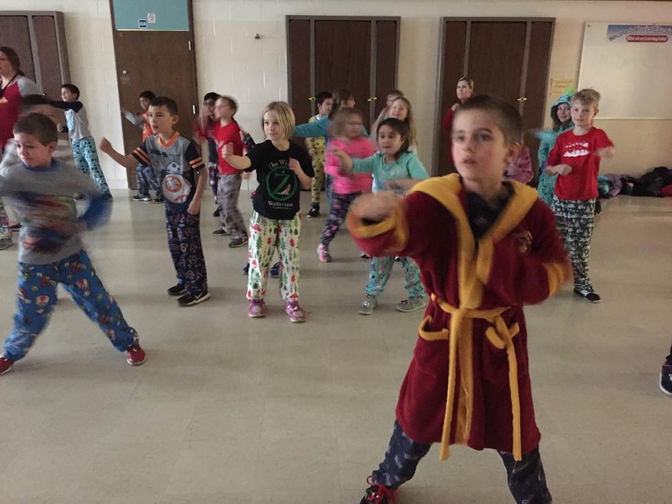 Jingle Bell Jog dancing 5