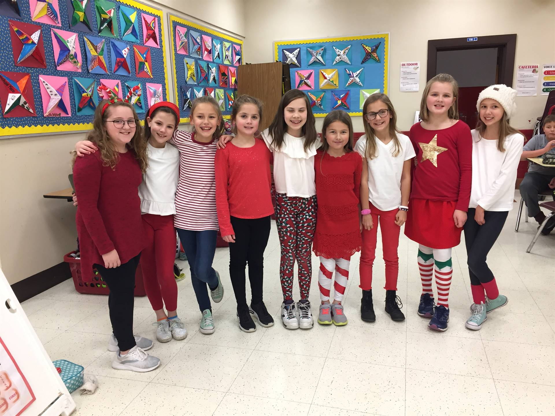 Even more 4th grade red sweaters