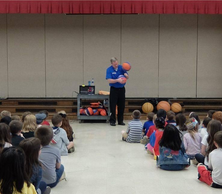 Basketball Jones assembly 05