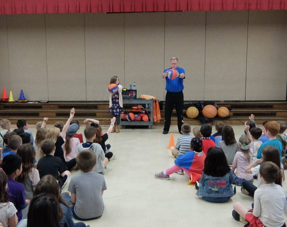 Basketball Jones assembly 08