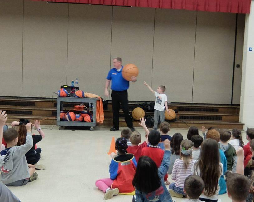 Basketball Jones assembly 09